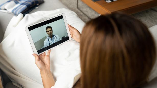 Prenotare una video visita medica: quali sono i vantaggi?